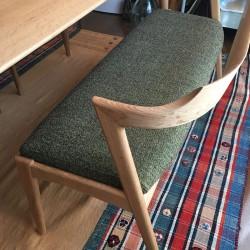 ダイニングテーブル、チェア、ベンチ、一人掛けソファ 納品2