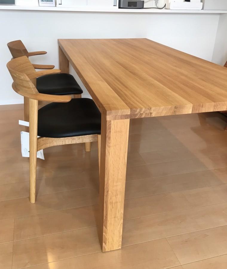 ダイニングテーブル、チェア納品0