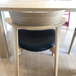 ダイニングテーブル、チェア納品2