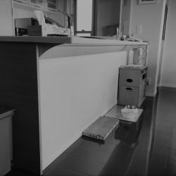 造作カウンター収納2
