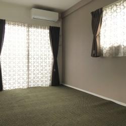 寝室のカーテン・カーペット納品