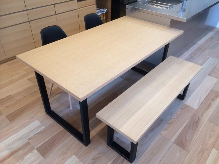 造作ダイニングテーブル・ベンチ、バーチカルブラインド納品1