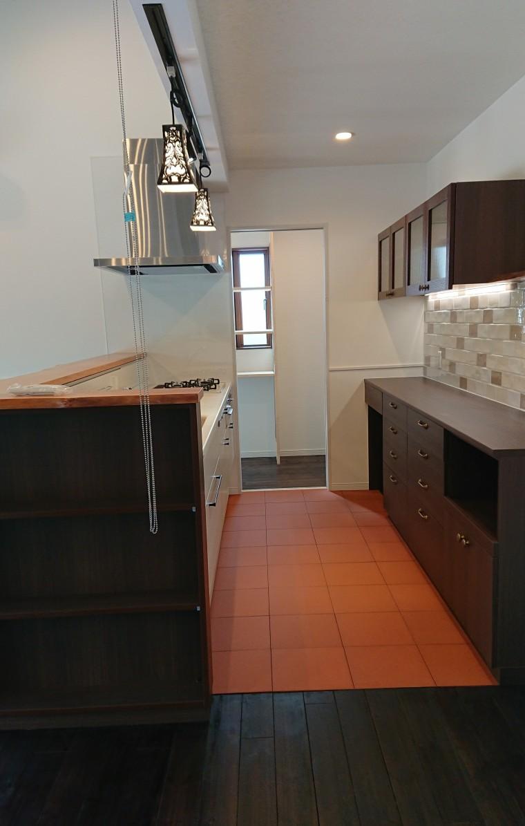 ≪造作≫キッチン収納、洗面化粧台、トイレ手洗2