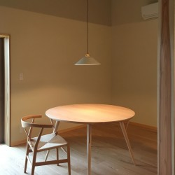 【NEW】日進木工Forms 丸テーブルを納品