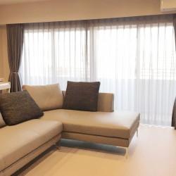 本革ソファとカーテンの納品2